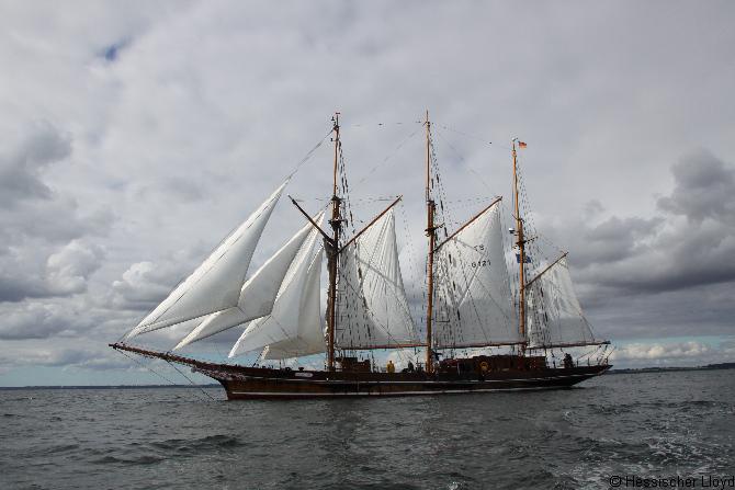 Segelschiff Amphitrite unter Segeln