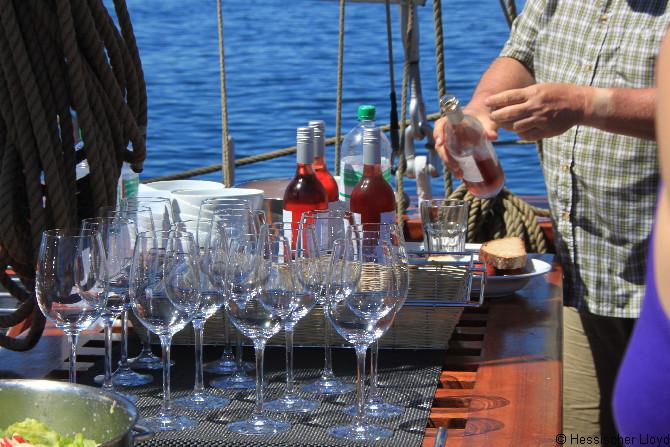 Weinbar an Deck